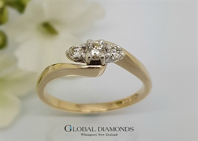 9ct gold Three Stone Diamond Crossover Ring