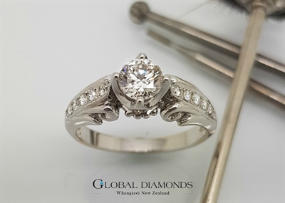 18ct White Gold Vintage Inspired Diamond Ring