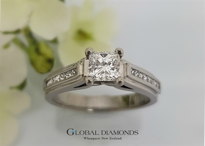 18ct White Gold Claw Set Princess Cut Diamond Ring