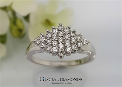 18ct White Gold Claw Set Diamond Dress Ring