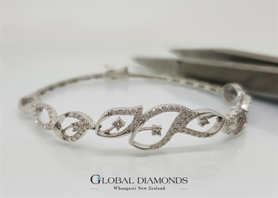 18ct White Gold Diamond Set Link Bracelet