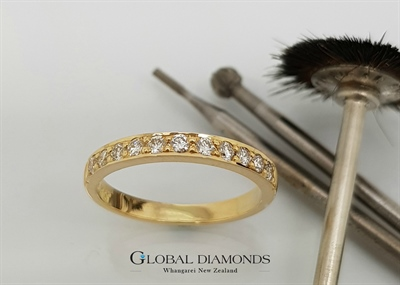 18ct Yellow Gold Bead Set Diamond Ring