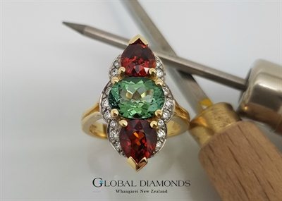 18ct Yellow gold Tourmaline and Garnet Ring