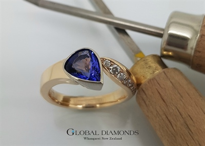9ct Yellow Gold Tanzanite Dress Ring