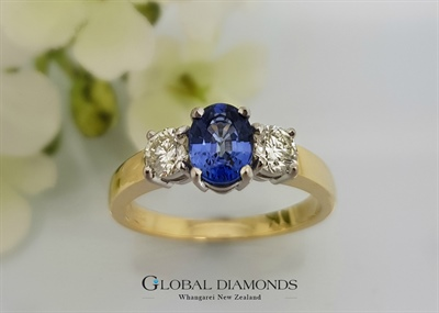 18ct Yellow Gold Ceylon Sapphire Three Stone Ring