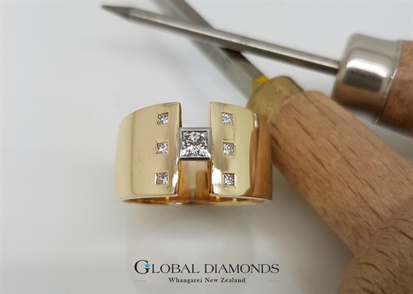 9ct Yellow Gold Princess Cut Diamond Dress Ring