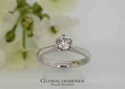 9ct White Gold Round Brilliant Cut Diamond Engagement Ring