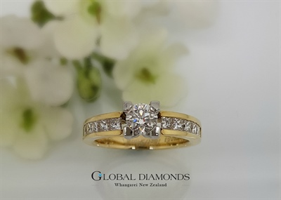 18ct Yellow Gold And Platinum Diamond Ring